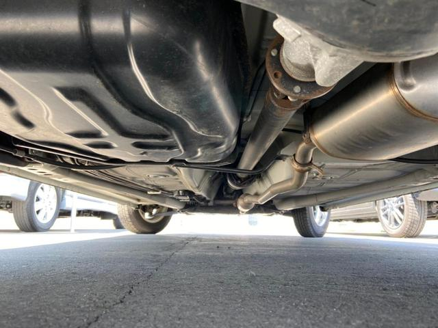 L 4WD・禁煙・夏冬タイヤ有・衝突被害軽減システム・アイドリングストップ・キーレス・シートヒーター・CDオーディオ・AUX・横滑り防止・(4枚目)
