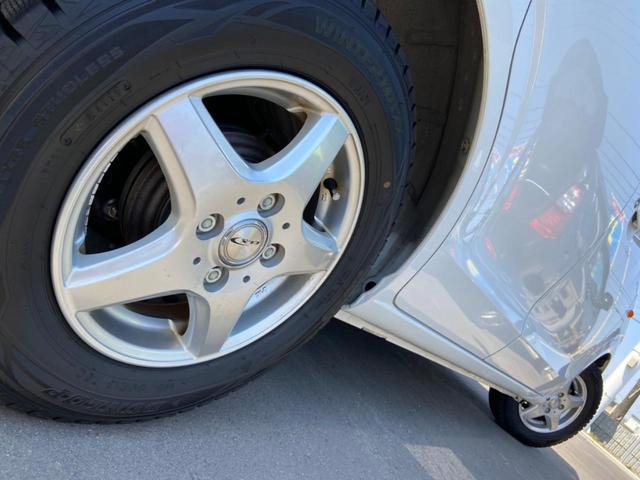 L 4WD・禁煙・夏冬タイヤ有・衝突被害軽減システム・アイドリングストップ・キーレス・シートヒーター・CDオーディオ・AUX・横滑り防止・(25枚目)