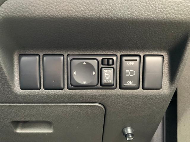 Stt 4WD・禁煙・ハイパールーフレール・撥水シート・シートヒーター・ドライブレコーダー・純正HDDナビ・CD・DVD・ミュージックサーバー・HIDヘッドライト・インテリキー(24枚目)