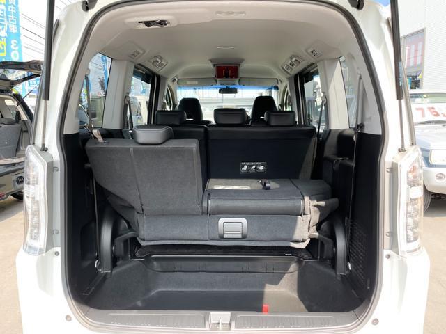 Z クールスピリット 4WD 禁煙 全方位カメラ フリップダウンモニター 純正HDDナビ フルセグTV バックカメラ ETC クルーズコントロール インテリキー ハーフレザーシート 両側電動スライド HIDヘッドライト(23枚目)