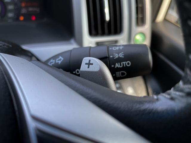 Z クールスピリット 4WD 禁煙 全方位カメラ フリップダウンモニター 純正HDDナビ フルセグTV バックカメラ ETC クルーズコントロール インテリキー ハーフレザーシート 両側電動スライド HIDヘッドライト(29枚目)