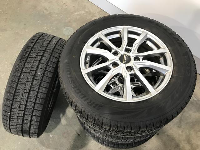 ハイブリッドZ・ホンダセンシング 4WD 夏冬タイヤ 1オーナー バックカメラ ETC 禁煙車(31枚目)