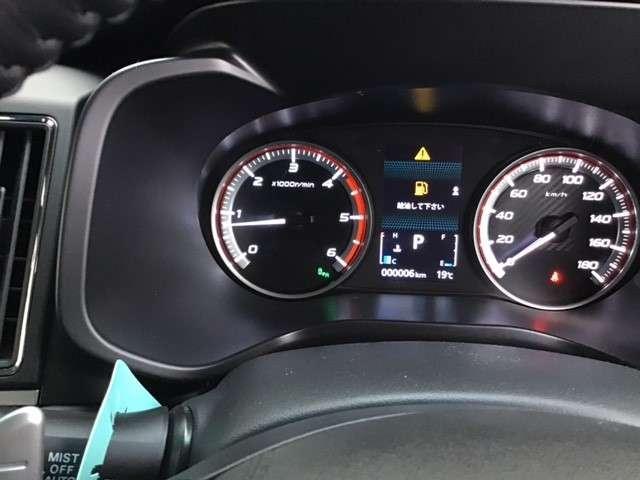 P クリーンディーゼル車 運転席パワーシート 助手席側電動サイドステップ 禁煙車 7人乗りウォークスルー(21枚目)