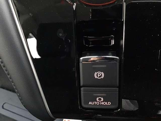 P クリーンディーゼル車 運転席パワーシート 助手席側電動サイドステップ 禁煙車 7人乗りウォークスルー(23枚目)
