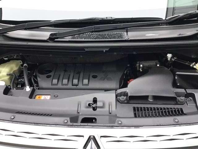 P クリーンディーゼル車 運転席パワーシート 助手席側電動サイドステップ 禁煙車 7人乗りウォークスルー(27枚目)
