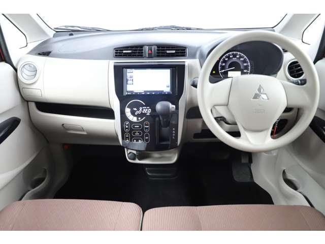 M アイドリングストップ ETC ベンチシート ベージュ内装 キーレス 運転席シートヒーター 4WD バックカメラ(3枚目)
