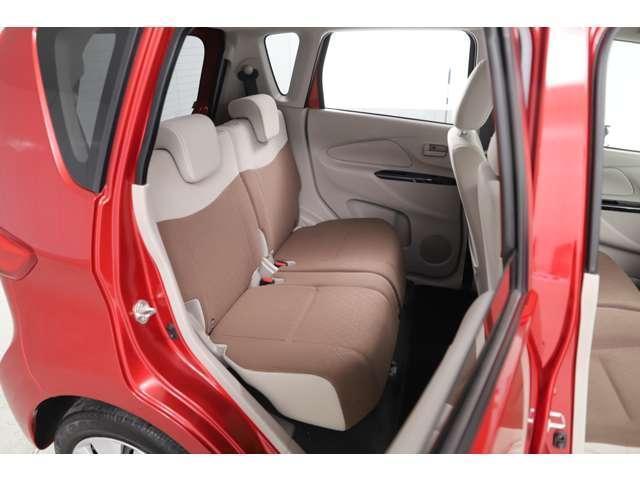M アイドリングストップ ETC ベンチシート ベージュ内装 キーレス 運転席シートヒーター 4WD バックカメラ(13枚目)