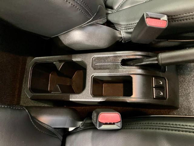 XL 4WD 寒冷地仕様 リフトアップ 本革S(社外) ESC シートヒーター 背面タイヤ 社外エアロ(F) ETC センターデフロック(33枚目)