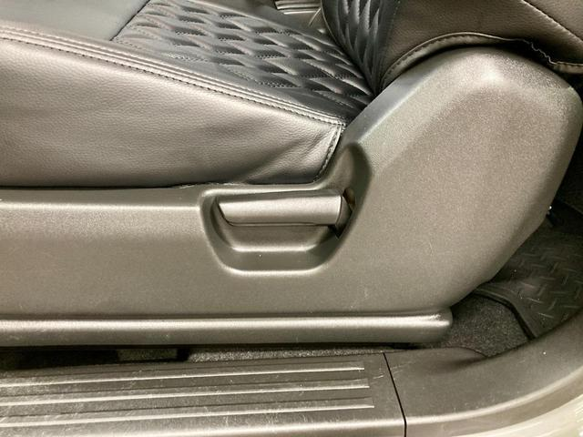 XL 4WD 寒冷地仕様 リフトアップ 本革S(社外) ESC シートヒーター 背面タイヤ 社外エアロ(F) ETC センターデフロック(48枚目)
