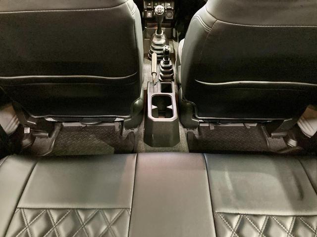 XL 4WD 寒冷地仕様 リフトアップ 本革S(社外) ESC シートヒーター 背面タイヤ 社外エアロ(F) ETC センターデフロック(63枚目)