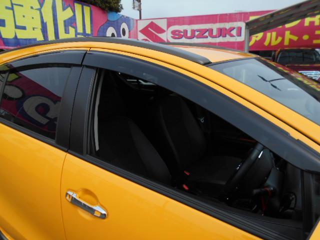 ★中古車の特権!ドアバイザー付いてます!新車のときは別売り!当店はもちろん車輌本体価格に含まれておりますのでご安心を!★