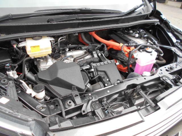 ★先進のハイブリッドVOXY!JU08モード23.8Km/Lの低燃費で力強い加速!★