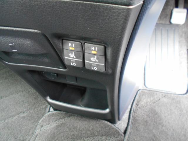 ★冬にうれしいシートヒーター★お尻がぽかぽか!エアコンが利く前に乗り込むことが多いドライバーの身体を素早く暖めてくれます!