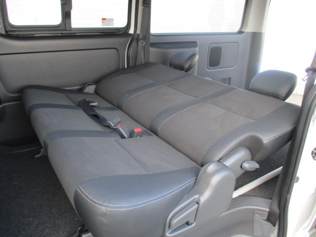 トヨタ ハイエースバン ロングスーパーGLダークプライム 未使用車 5型 LED