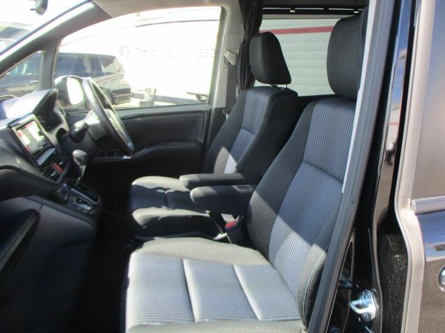 トヨタ ヴォクシー ZS 煌 メモリーナビ フルセグ 両側電動スライド 4WD