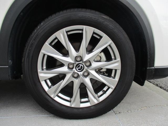 車と合うアルミホイールですよね!カッコイイです!!!タイヤの山もバッチリありますよ♪アルミ付のスタッドレスも販売しております!ぜひお問い合わせください☆
