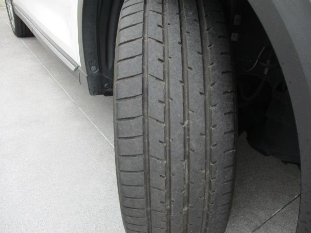 買ってすぐタイヤ交換なんて嫌ですよね?当店の車のタイヤは溝もバッチリございます!