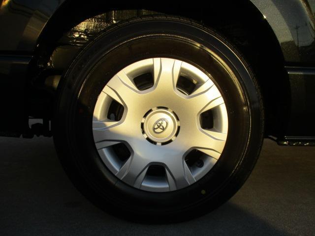 車と合うホイールですよね!カッコイイです!!!タイヤの山もバッチリありますよ♪アルミ付のスタッドレスも販売しております!ぜひお問い合わせください☆