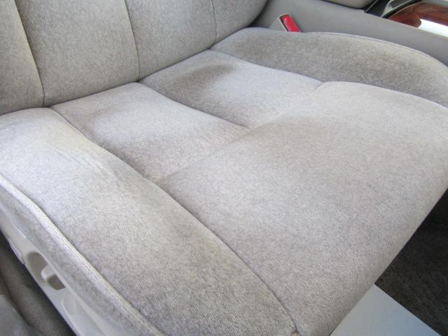 シートも擦れは有りますが、型崩れはなく綺麗なコンディションが保たれております。