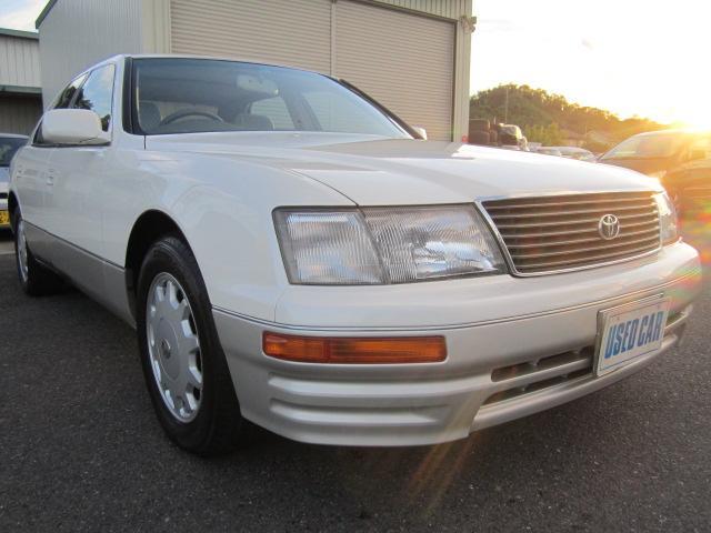 トヨタの最上級車種セルシオ!20系前期です。