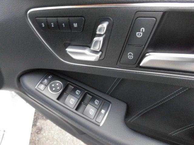 E300 アバンギャルド 黒革レーダーセーフティHDDナビTVバックカメラ(4枚目)