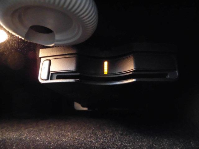 E300 アバンギャルド 黒革レーダーセーフティHDDナビTVバックカメラ(52枚目)