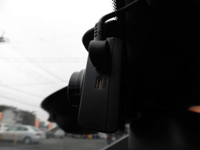 E300 アバンギャルド 黒革レーダーセーフティHDDナビTVバックカメラ(54枚目)