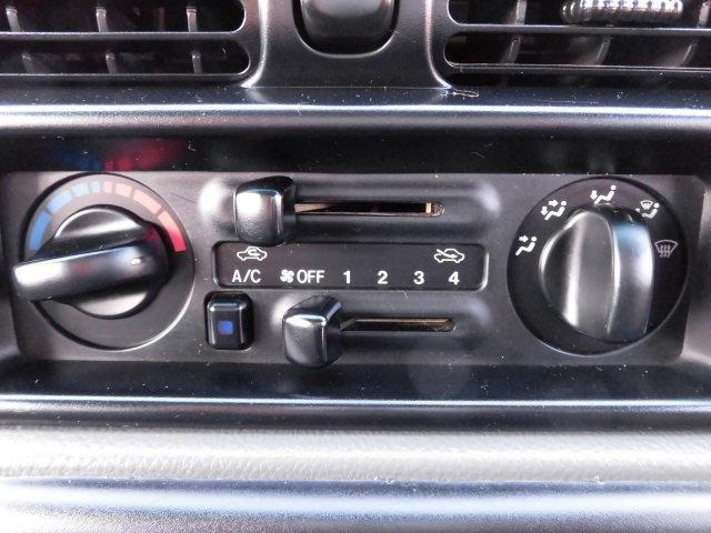 タイプS 3.0ディーゼルターボ5速マニュアル4WD(13枚目)