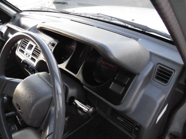 XE メタルトップ2.5ディーゼルターボ5速マニュアル4WD 4ナンバー(3枚目)