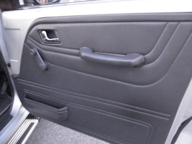 XE メタルトップ2.5ディーゼルターボ5速マニュアル4WD 4ナンバー(4枚目)