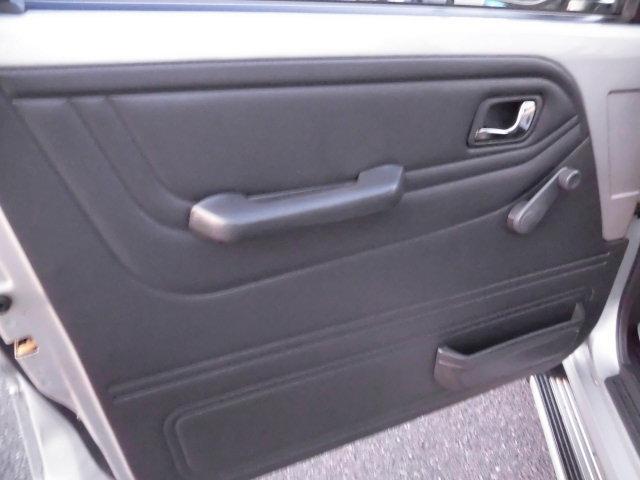 XE メタルトップ2.5ディーゼルターボ5速マニュアル4WD 4ナンバー(15枚目)