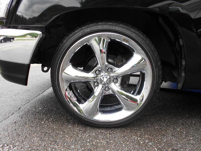 トヨタ ハイラックススポーツピック サンルーフ トノカバー ローダウン
