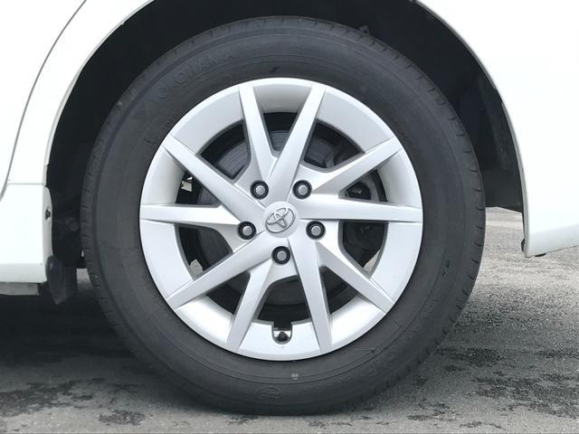 【純正16インチアルミホイール】タイヤサイズは205/60/R16。