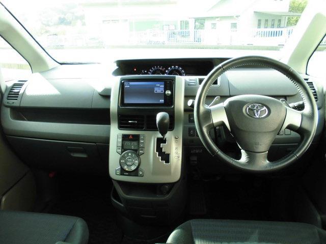 トヨタ ヴォクシー ZS 煌 4WD ナビTV Bカメラ 両側電動スライド