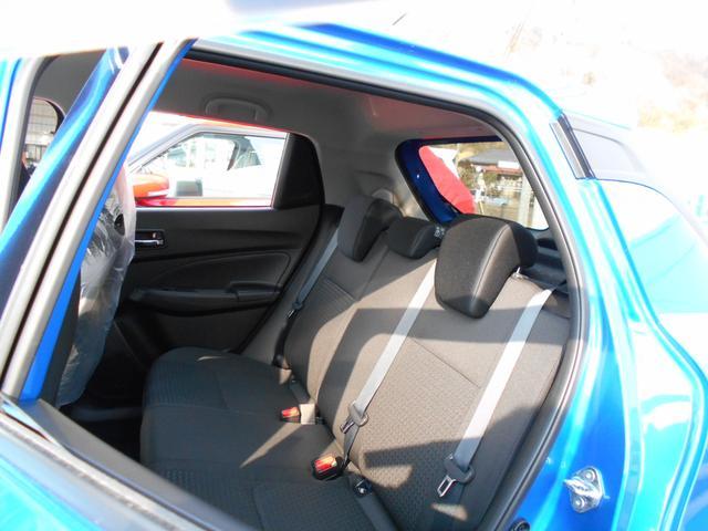 スズキ スイフト XG 4WD スマートキー シートヒーター 登録済未使用車