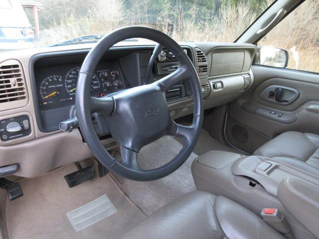 「シボレー」「シボレー サバーバン」「SUV・クロカン」「群馬県」の中古車16