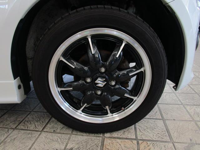15インチ純正アルミホイール装着!タイヤもまだまだ使用可能!