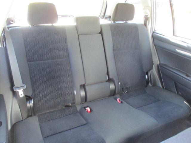後席には専用チャイルドシートが簡単に取付け出来る金具(ISOFIXアンカー固定)装着!