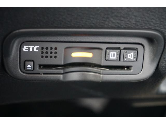 ハイブリッドRS・ホンダセンシング ワンオーナー 8インチ純正ナビ LEDライト シートヒー ナビTV フルセグT ワンオーナー ETC メモリーナビ アイドリングストップ DVD アルミ 盗難防止システム オートクルーズ スマキー(19枚目)