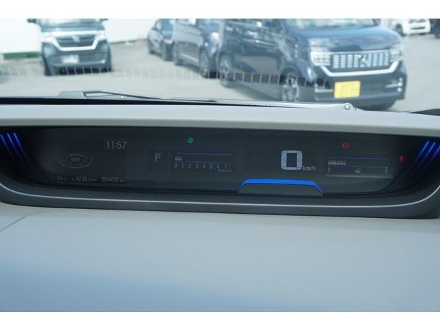 G・ホンダセンシング 当社デモカー 9インチ純正ナビ 両側自動ドア 禁煙車 シートヒーター 4WD LED DVD ETC メモリーナビ サポカーS CD キーレス クルコン ナビ/TV フルセ Bモニター VSA(14枚目)