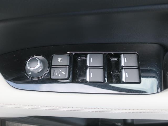 25S Lパッケージ 4WD Mナビ 地デジ ドラレコ 19AW パワーゲート ワンオーナー車 全周囲カメラ DVD再生 ナビTV LEDライト メモリーナビ 4WD ETC アイドリングストップ キーレス シートヒータ プリクラ(21枚目)
