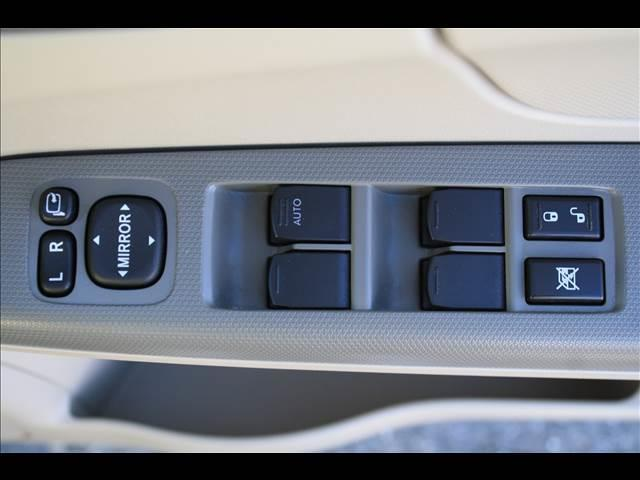 スバル ステラ L キーフリー プライバシーガラス アームレスト CD/MD