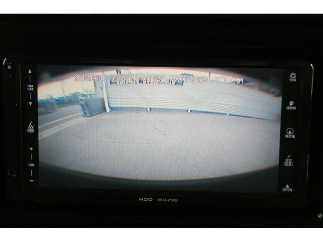 バックカメラが付いていますので、駐車をする際とても便利です。