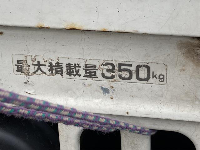 TC 4WD 5速マニュアル 三方開 クレーン付 公認済 ラジオ 運転席側エアバッグ エアコン パワーステアリング 社外13インチアルミ 最大積載量350kg(22枚目)