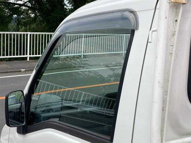 TC 4WD 5速マニュアル 三方開 クレーン付 公認済 ラジオ 運転席側エアバッグ エアコン パワーステアリング 社外13インチアルミ 最大積載量350kg(39枚目)