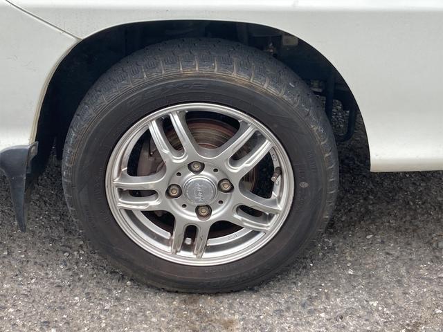 TC 4WD 5速マニュアル 三方開 クレーン付 公認済 ラジオ 運転席側エアバッグ エアコン パワーステアリング 社外13インチアルミ 最大積載量350kg(48枚目)