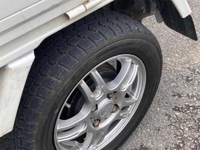 TC 4WD 5速マニュアル 三方開 クレーン付 公認済 ラジオ 運転席側エアバッグ エアコン パワーステアリング 社外13インチアルミ 最大積載量350kg(55枚目)