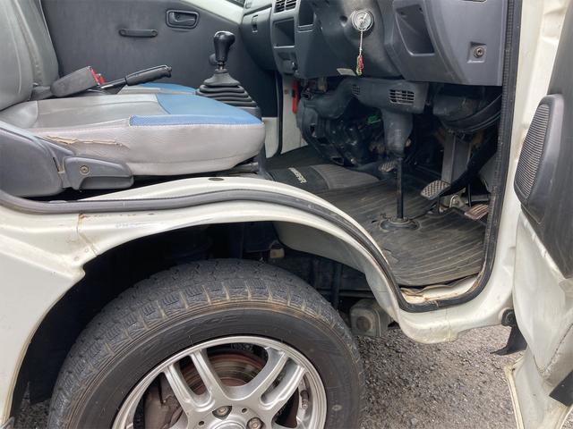 TC 4WD 5速マニュアル 三方開 クレーン付 公認済 ラジオ 運転席側エアバッグ エアコン パワーステアリング 社外13インチアルミ 最大積載量350kg(62枚目)