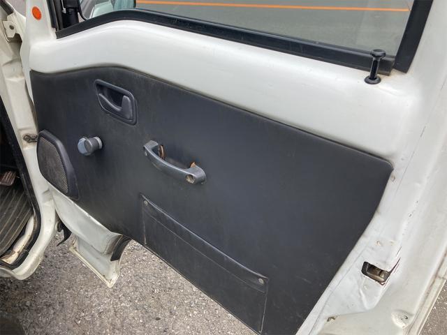TC 4WD 5速マニュアル 三方開 クレーン付 公認済 ラジオ 運転席側エアバッグ エアコン パワーステアリング 社外13インチアルミ 最大積載量350kg(65枚目)