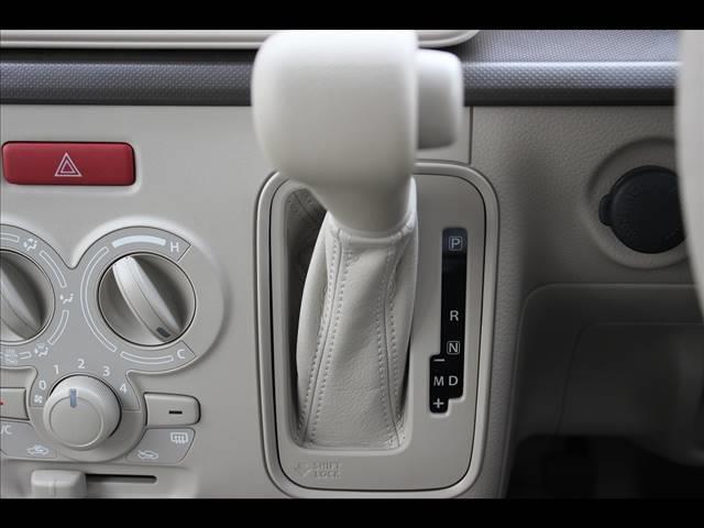 G ワンオーナー車8インチナビフルセグTVETCスマートキー(15枚目)